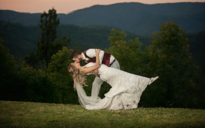 Smokey Mountain Wedding, Sevierville, TN | Amber & Cameron